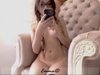 emma_lu1 redhead cam witches showing wide ass