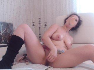 lovecatsuit amateur cam girl shows perfect ass