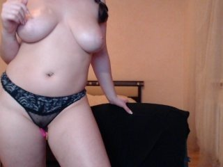 holypolly bitchy cam babe stripping her body