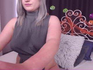 karavegaxxx horny man spewing his cum into pink cam babe pussy