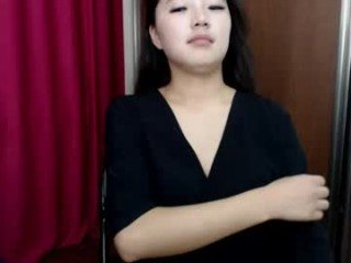 trixiefunny asian nude cam babe live sex in the chatroom