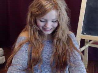 priscillamoon cute cam babe enjoys masturbating finger, live on a webcam