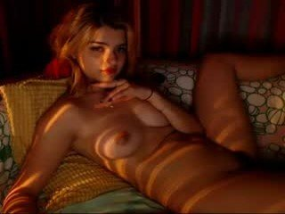 kissme2wice cam babe wants her pussy and small tits licked and then fucked in the chatroom