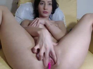 alexisbigsquirt milf cam babe is ready for good dildo fucking