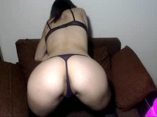best_janet english cam babe likes masturbating live during her adult sessions
