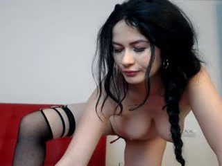 naughtyannye brunette cam girl wants dirty cum show