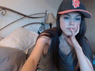 charlotte1996 cam whore loves a nice facial online