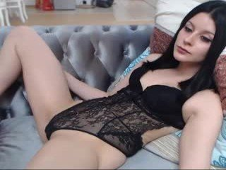 sexyschookilhb cam girl likes using hot adult toys live on XXX cam