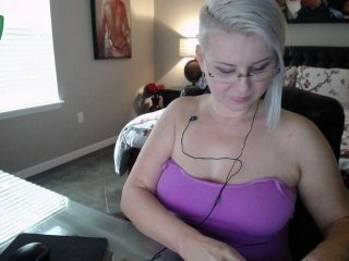 sabrinacastel blonde cam girl with hairy pussy