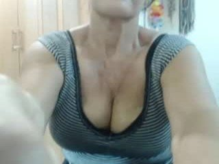 honey_milf69 cam girl with big tits waiting for her teacher to give her a private lesson