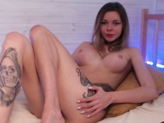 zlatafox sex toy is the best friend for this cam babe