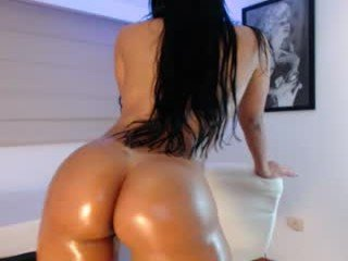 ms_kbenz cute brunette cam girl gets her pussy banged very hard