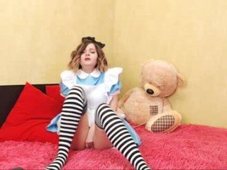 sapphirealice blonde cam babe loves roleplay with her partner