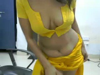 yoursradhikacb cam girl will surprise you with her huge gaping asshole