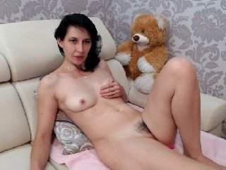 lovetommy amateur european cam babe in a wonderful and sensual live sex act