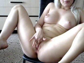 tatuannnna naked blonde cam babe online
