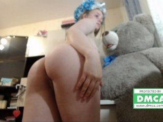 effy_s redhead russian cam wants shares her fantastic orgasm with the world on camera